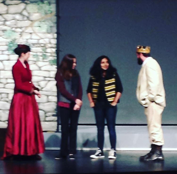 San+Francisco+Shakespeare+Company+performs+Hamlet+with+guest+students+from+SRVHS+on+stage
